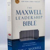 NKJV Maxwell Leadership Bible, Leather Cover and Hardcover